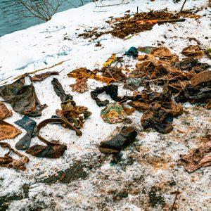 Sbírka předmětů nalezených v čapím hnízdě